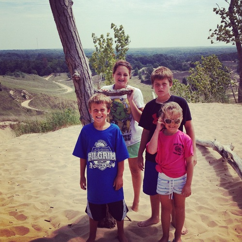 kids-at-top-of-dune-ride-in-saugatuck