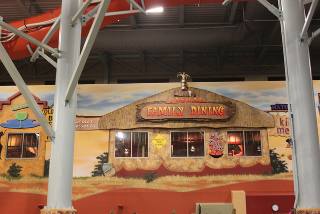 Family Dining at Kalahari